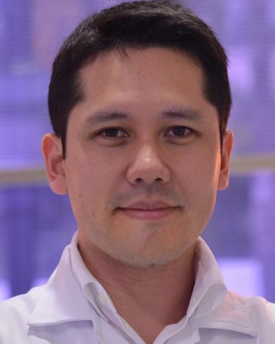 Professor Eduardo M. Aoki